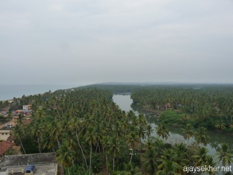 Mampally and Thazhampally regions south of Kayikara.  A view from Anjengo light house.  Anjengo Kayal is also visible.