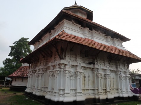 Parambu Tali temple a few miles north east of Mullasery.  Under Azhvanchery Tamprans from early middle ages onwards.  Shows remarkable closeness to Buddhist architectural features.  The southern shrine of Muruka is a Vattadage or Vattam or rounded structure originally a Buddhist structure found only in Kerala and Sri Lanka.