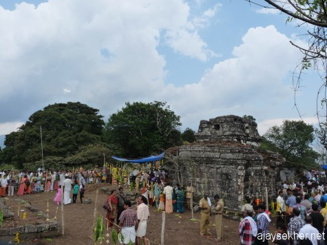 Devotees mostly women and dalitbahujans from Tamilakam and Keralam thronging in to get a glimpse of their ancient heroine Kannaki as Patini as installed by Cheran Chenguttuvan in 2nd C. AD. Chitra Paurnami day 25 apl 2013.
