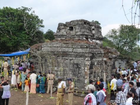 Mangaladevi Kottam in Kumaly on Chitra Paurnami day, 25 apl 2013