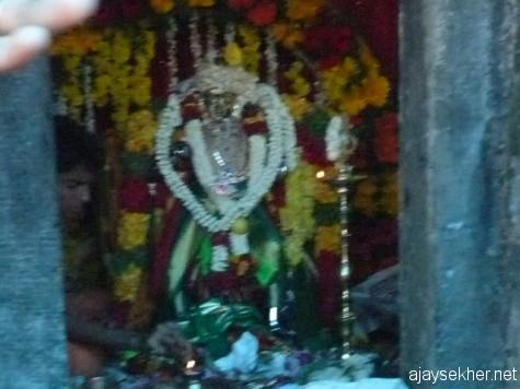 Kannaki idol in Mangaladevi Kottam, Kumaly.  Tamil women are leading the rituals even today.  25 apl 2013.