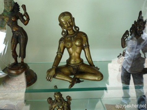 Taradevi bronze in an antique shop in Kumaly