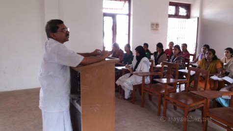 Prof P N Prakash taking a master class at the English Department of S S University Tirur centre.