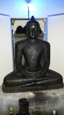 Mavelikara Buddha. Related to early Teravada in Anuradhapura style. Recovered from the marsh near current Hindu temple and installed by the road in 1923 by the people.