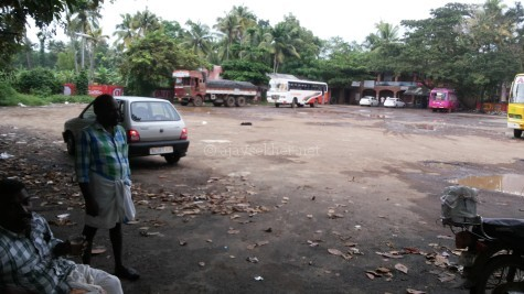 Dalava Kulam bus stand near the eastern gateway of the temple at Vaikam; the location of the old pond where the bodies of the massacred protesters where thrown into in early 19th century.